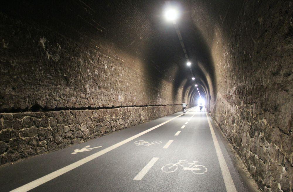 Galleria della Ciclopedonale Maremonti, foto Elisabetta Frega di Freesoulontheroad.com