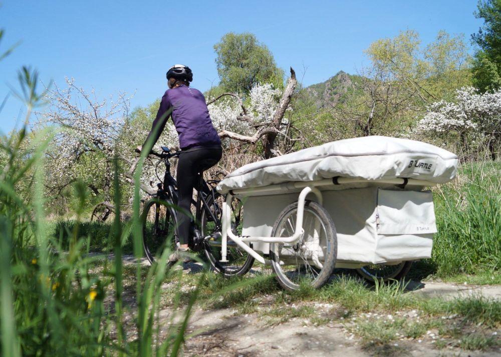 Carrello tenda B Turtle microcaravan da bicicletta