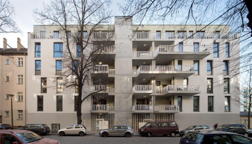 Uno dei due edifici Fahrradloft a Berlino, foto Werner Huthmacher