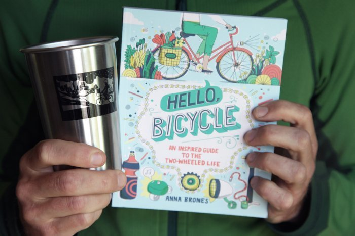 Il libro Hello, Bicycle, foto Anna Brones